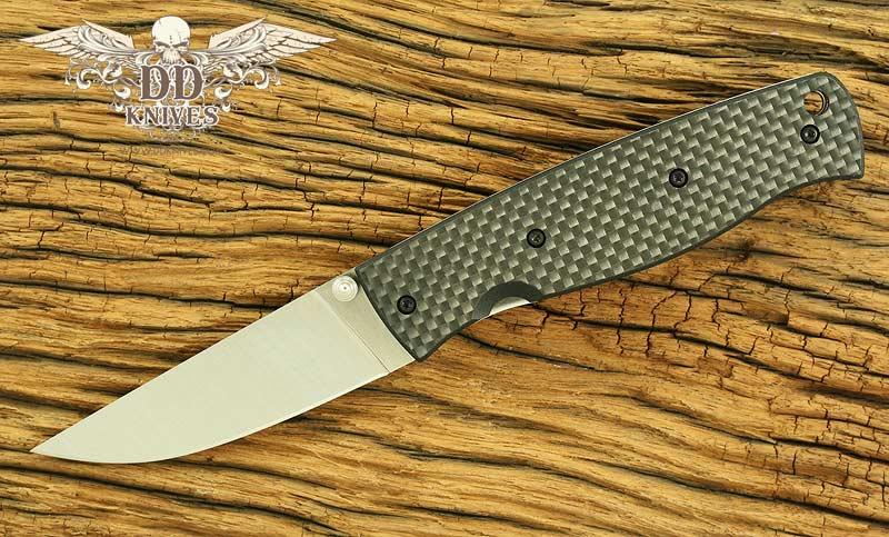 มีดพับ EnZO Birk 75 Folding Plain S30V Blade, Textured Carbon Fiber Handle (BRI2601)