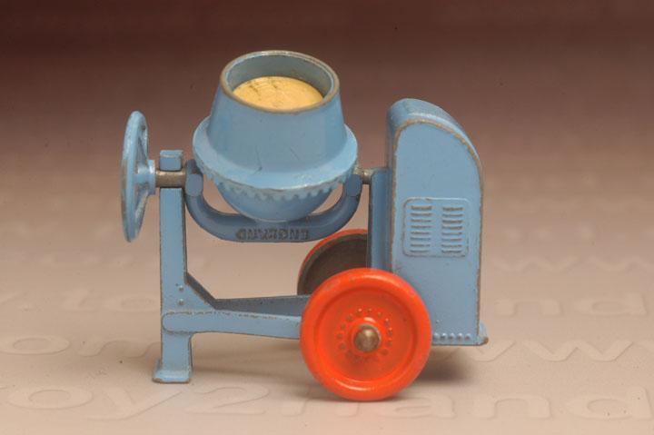 รถเหล็ก Matchbox Regular Wheels No.3A  Cement Mixer 1