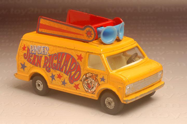 รถเหล็ก Corgi No.426B Pinder Circus Box Office Chevrolet Van
