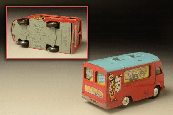 รถเหล็ก Corgi No 426A Smith's Karrier Circus Book Office (Chipperfields) 1