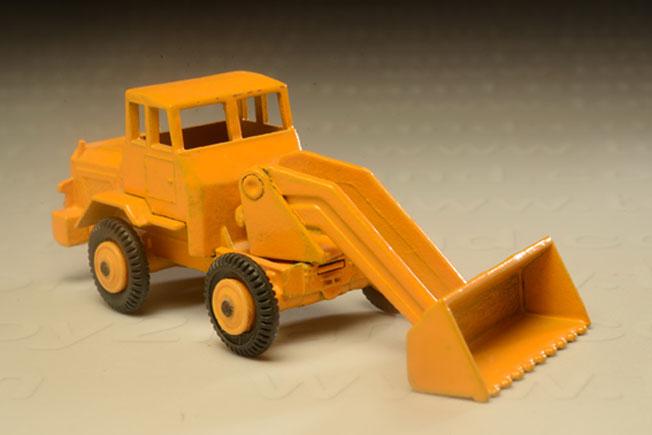 รถเหล็ก Matchbox Regular Wheels No.69 Hatra Tractor Shovel