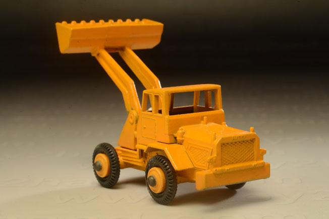 รถเหล็ก Matchbox Regular Wheels No.69 Hatra Tractor Shovel 1