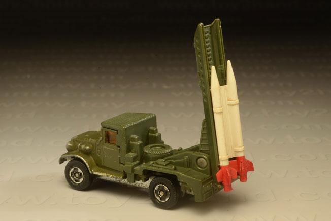 รถเหล็ก Tomica No.77(67) Toyota JSDF Rocket Carrier (Type HQ15V) 1