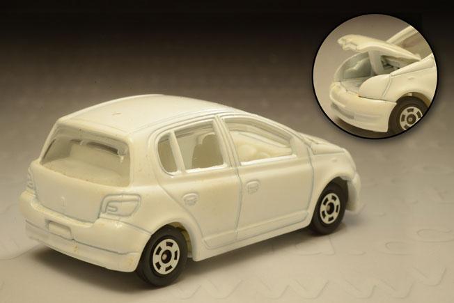 รถเหล็ก Tomica ไม่ระบุหมายเลข ( No.110) Toyota Vitz (Yaris) 1