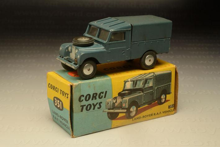 รถเหล็ก Corgi No.351 Land Rover RAF