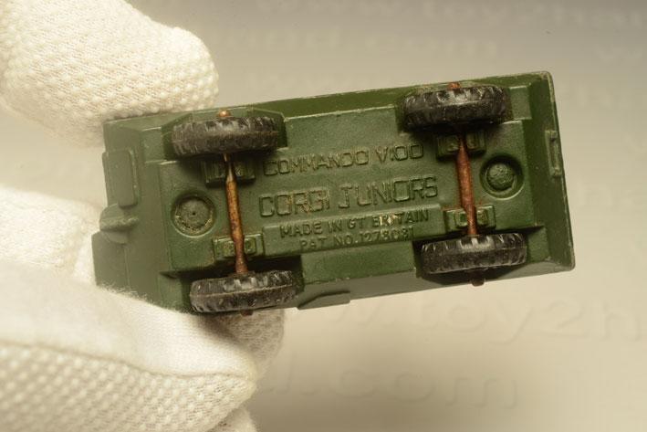 รถเหล็ก Corgi Junior No.159A  Commando V100 2