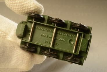 รถเหล็ก Matchbox  Regular  Wheels No.54A Saracen Personel Carrier 2