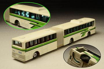 รถเหล็ก Tomica No. L04 (Long Tomica) - Volvo Dual Swing Airport Bus 1