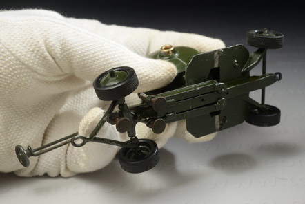 Searchlight Mobile, Britains no.1718, Made in England between 1946-1962, 13.5 cm.long 3