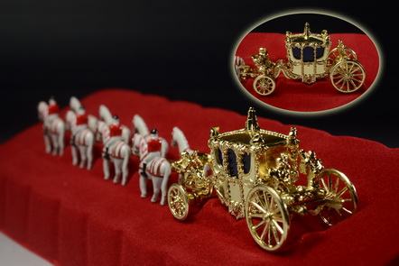 Her Majesty\'s Gold State Coach 2