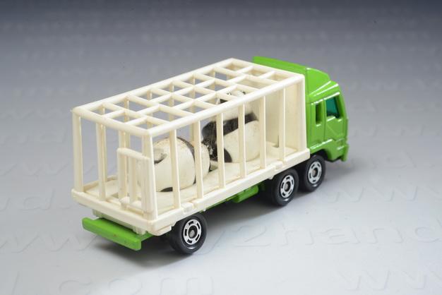 Mitsubishi Fuso animal Truck (panda), Tomica no.7(76) 1
