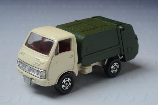 รถเหล็ก Tomica No.35 Isuzu ELF (Gabage Truck)