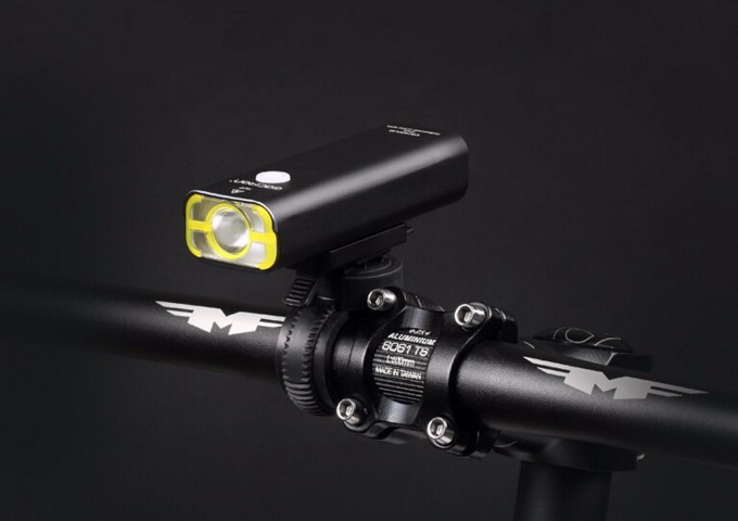 ไฟหน้าจักรยาน Gaciron แบบมืออาชีพ สว่างมากถึง 400 ลูเมนส์ ชาร์จไฟผ่าน USB
