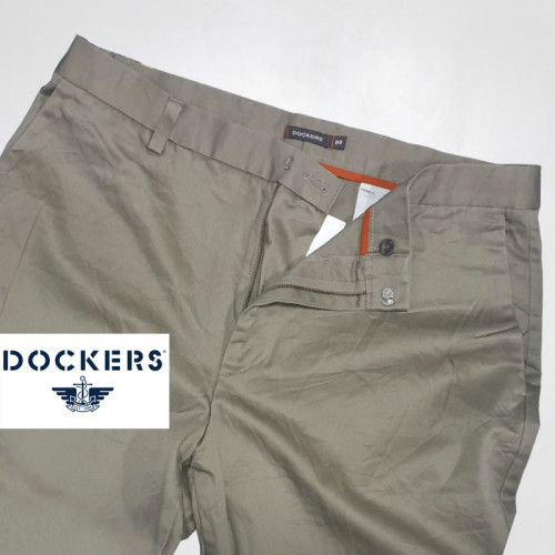 DOCKERS กางเกงขายาวผู้ชาย ผ้าเวสปอยส์ แบรนด์เนมมือสอง สภาพใหม่เอี่ยม