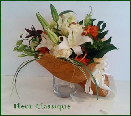 ช่อดอกไม้ขาวส้ม (bouquet) 2