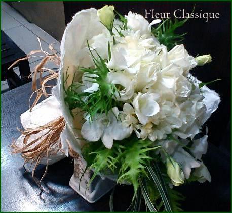 ช่อดอกไม้ขาว (bouquet)