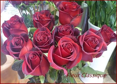ช่อกุหลาบแดง 24 ดอก roses bouquet 2