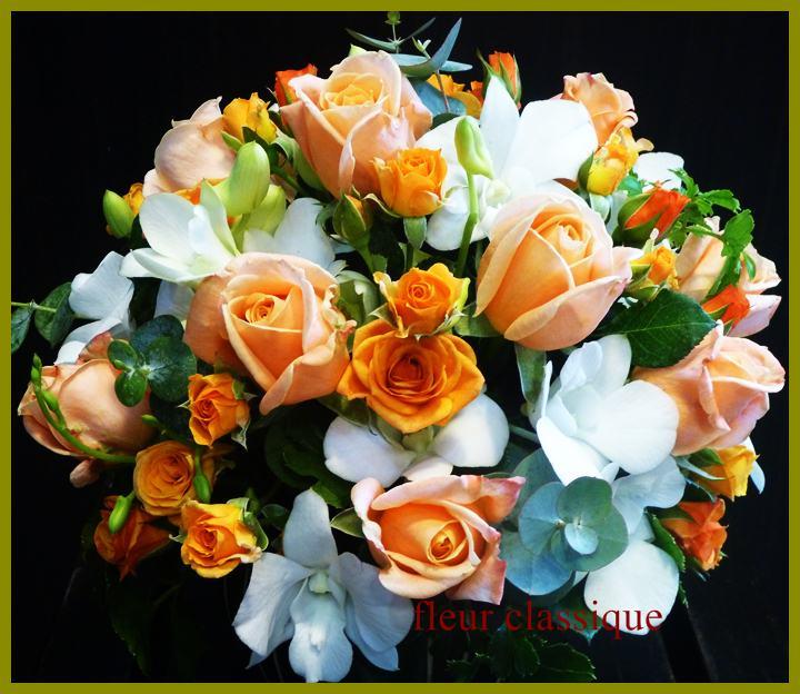 แจกันดอกไม้ส้ม ขาว vase flower 1
