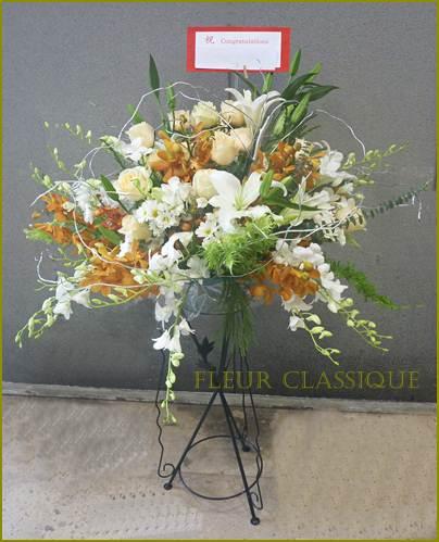 ดอกไม้บนสแตนด์ flower stand