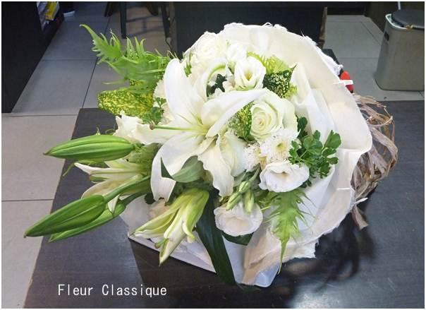 ช่อดอกไม้สีขาว flower bouquet