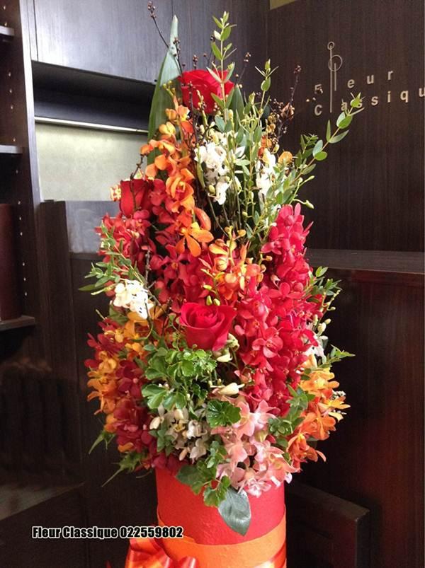 แจกันดอกไม้สีแดงส้ม vase flower 1