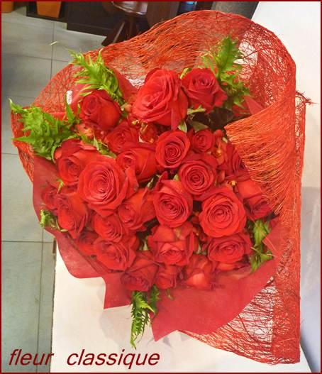 ช่อดอกกุหลาบสีแดง(red roses bouquet)