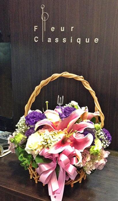 กระเช้าม่วงชมพู flower basket