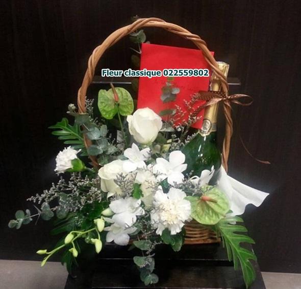 กระเช้าไวร์ ดอกไม้ขาว flower basket