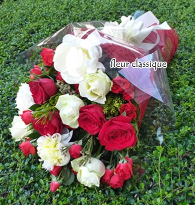 ช่อดอกไม้ดีไซน์สวย วาร์เลนไทร์ bouquet