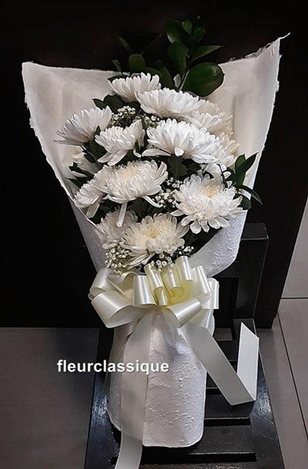 ช่อดอกเบญจมาศ flower bouquet