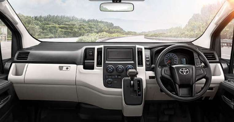 Alpha coustic จอ Android ตรงรุ่นรถตู้ Toyota Commuter 2020