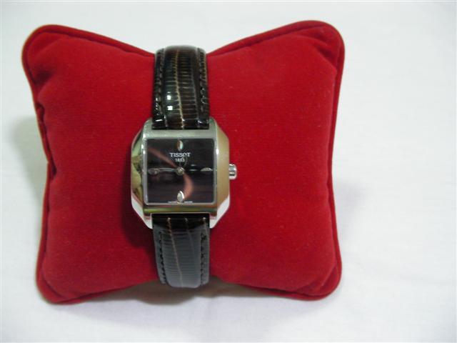 TISSOT นาฬิกาผู้หญิง สินค้ามือ 2
