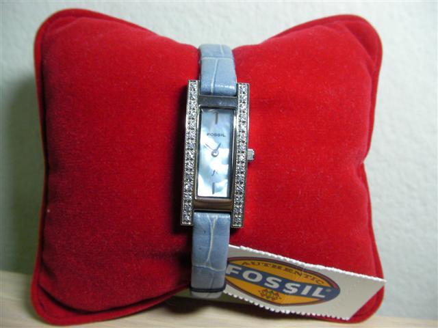 FOSSIL นาฬิกาฟอสซิลสีฟ้า