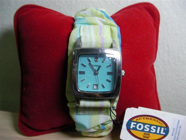 Fossil นาฬิกาสายผ้า น่ารัก