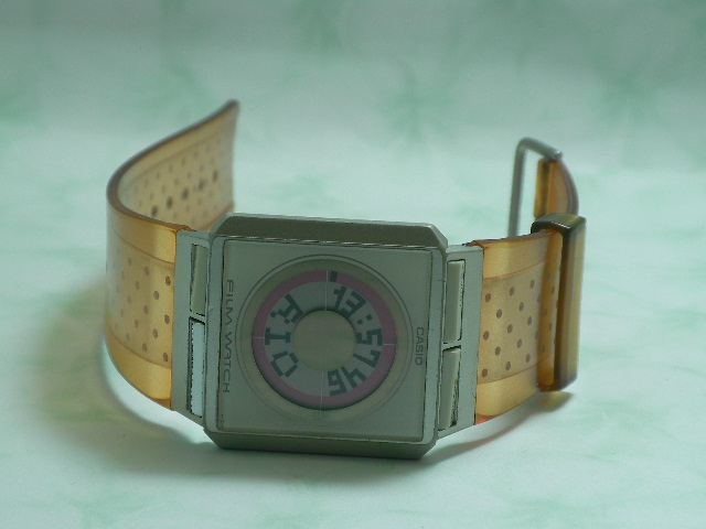 CASIO นาฬิกาแฟชั่น สีส้ม สินค้ามือ 2