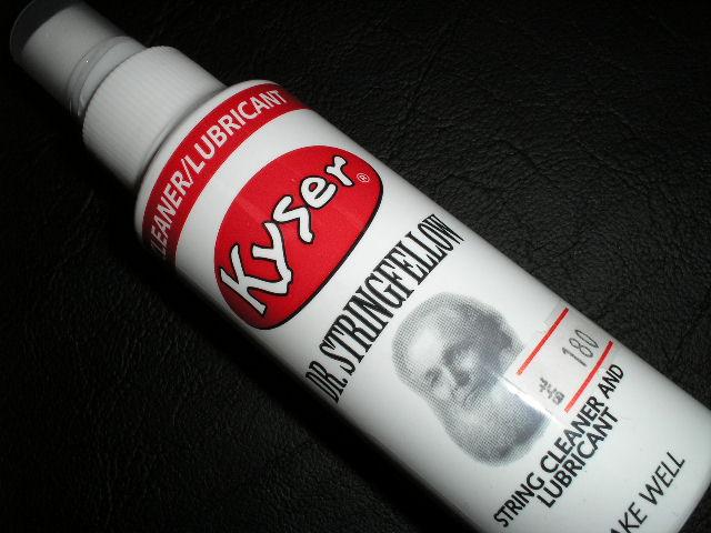 น้ำยาเช็ดสายเครื่องดนตรี อย่างดี ยี่ห้อ KYSER MADE IN U.S.A.