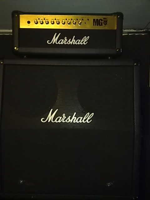 ตู้แอมป์กีต้าร์ MARSHALL MG-100 HDFX  ตู้cabinet made in ingland แท้ๆ ทดลองเสียงที่ร้าน มีของเลยครับ