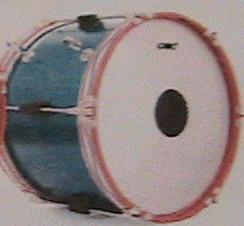 กลองเทนเน้อร์อนุบาลยี่ห้อ CMCขนาด 18 นิ้ว  8 หลัก ขอบเหล็กฟ้า พร้อมชุดสายสะพายผ้าร่มและไม้ตี