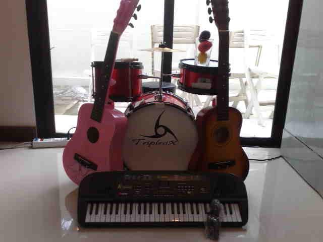 Setเครื่องดนตรีเด็ก  ชุดคุณหนูซ้อมดนตรี  พร้อมเปิดวงทันที! ราคาสบายอกสบายใจ!!!