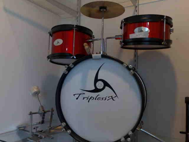 กลองชุดเด็ก Junior Drum set  666 PERCUSSION รุ่น E-700A