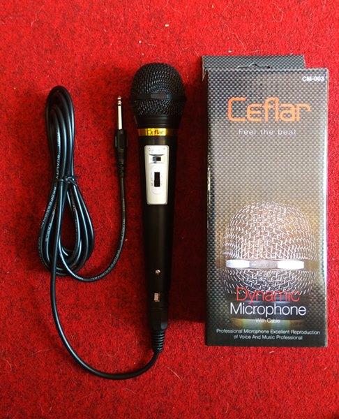 ไมโครโฟน ยี่ห้อ Ceflar รุ่น CM-003 Dynamic Microphone with Cable