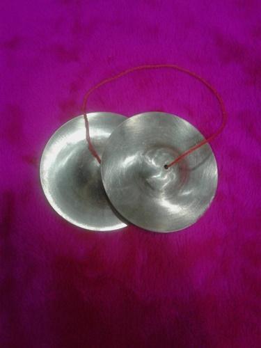 ฉาบเล็ก ขนาด 5 นิ้ว ใช้ในวงฉิ่ง ฉาบ กรับ โหม่ง เครื่องดนตรีประเภทตี มีเสียง ฉิ่งฉับ และฉาบเล็กราคา ถ