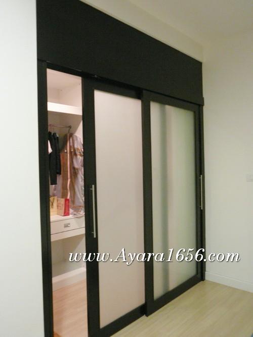 ฉากประตูกั้นห้อง, ฉากกั้นห้อง,ประตูเลื่อน ไม้จริงสีโอ๊คดำ กระจกฝ้า
