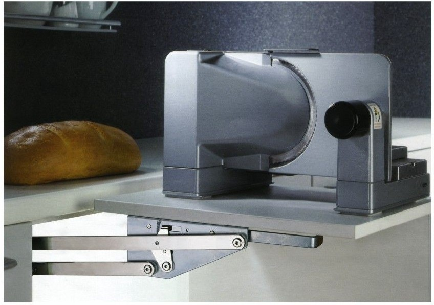 แขนยึดแผ่นไม้ ทำเป็นโต๊ะเตรียมอาหาร เมื่อใช้งานแล้วพับเก็บใต้ตู้ (TT-001)