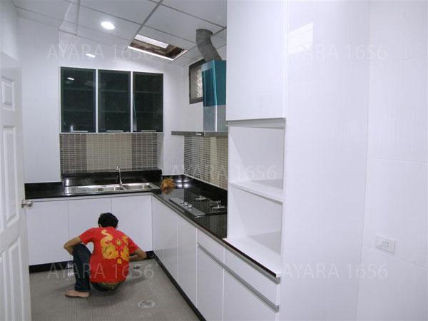 ชุดครัว Built-in ตู้ล่าง โครงซีเมนต์บอร์ด หน้าบาน Melamine สีขาว 1