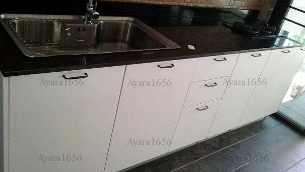 ชุดครัว Built-in ตู้ล่าง โครงซีเมนต์บอร์ด หน้าบาน PVC สีขาว ลายไม้ - ม.Modi Villa
