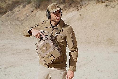 กระเป๋า HAZARD 4 katoTM tablet + netbook mini-messenger ( Coyote )
