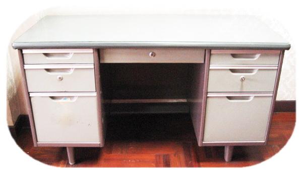 โต๊ะทำงานเหล็ก 5 ฟุต