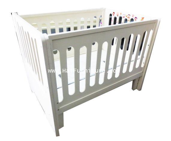 เตียงเด็ก ไม้ระแนง สีขาว