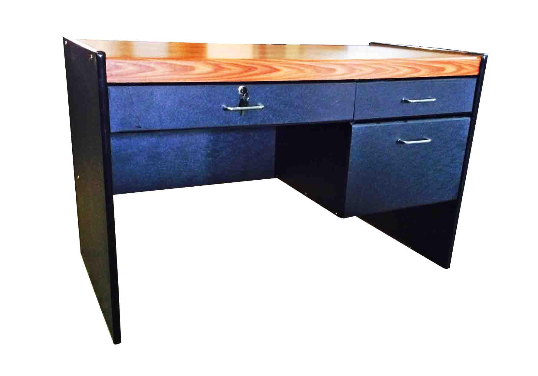 โต๊ะทำงาน PVC สีสักดำ 120 ซม.